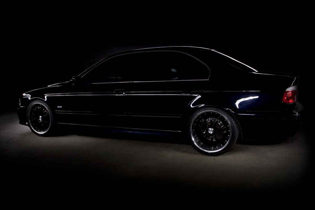 http://ovp.fi/./random/01.9.2008_Oulu_BMW_E39_540i22.jpg
