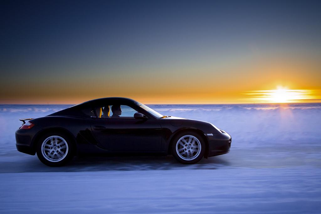 http://ovp.fi/./random/10.2.2011_Oulunsalo_Porsche_Cayman03.jpg