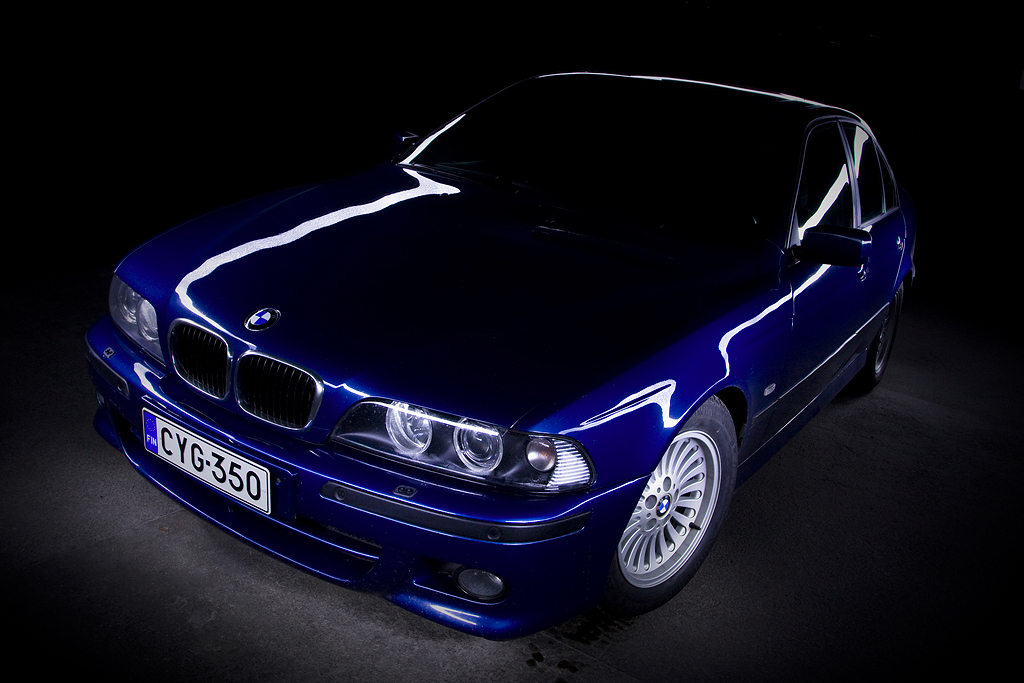 http://ovp.fi/./random/12.11.2008_Oulu_BMW_E39_530d03.jpg