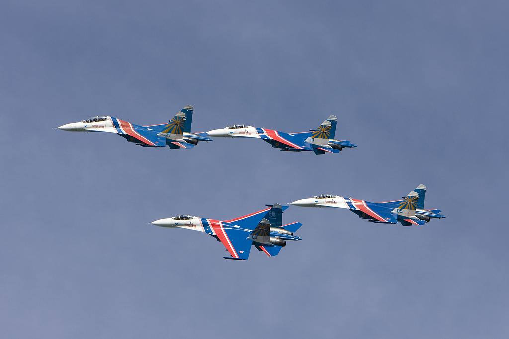 http://ovp.fi/./random/20.6.2008_EFKA_Russian_Knights63.jpg