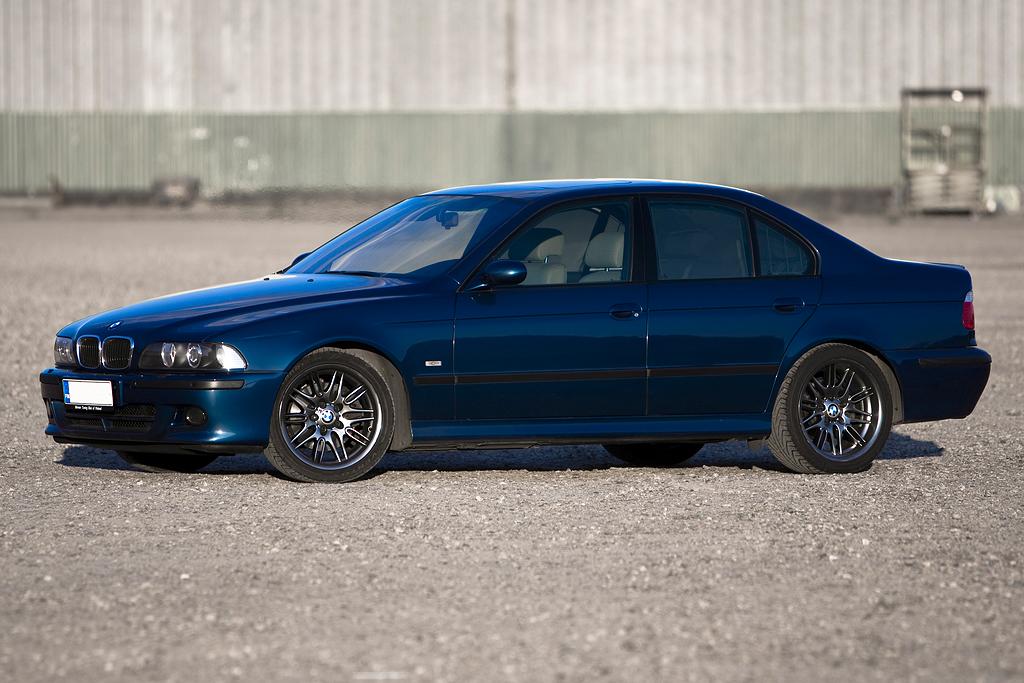 http://ovp.fi/./random/24.5.2008_Oulu_BMW_E39_530i_20.jpg