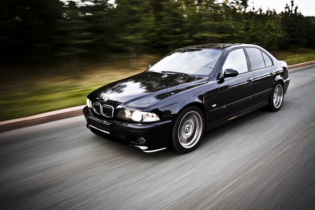 http://ovp.fi/./random/27.7.2009_Oulu_BMW_E39_M5_50.jpg