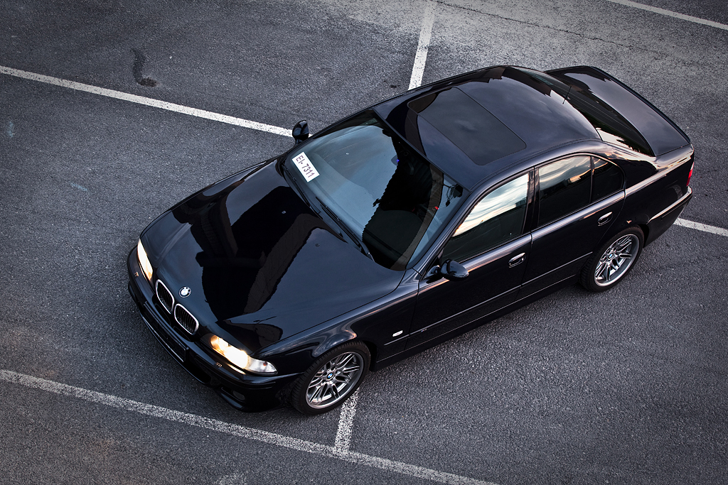 http://ovp.fi/./random/27.7.2009_Oulu_BMW_E39_M5_95.jpg