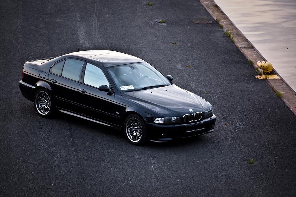 http://ovp.fi/./random/27.7.2009_Oulu_BMW_E39_M5_99.jpg